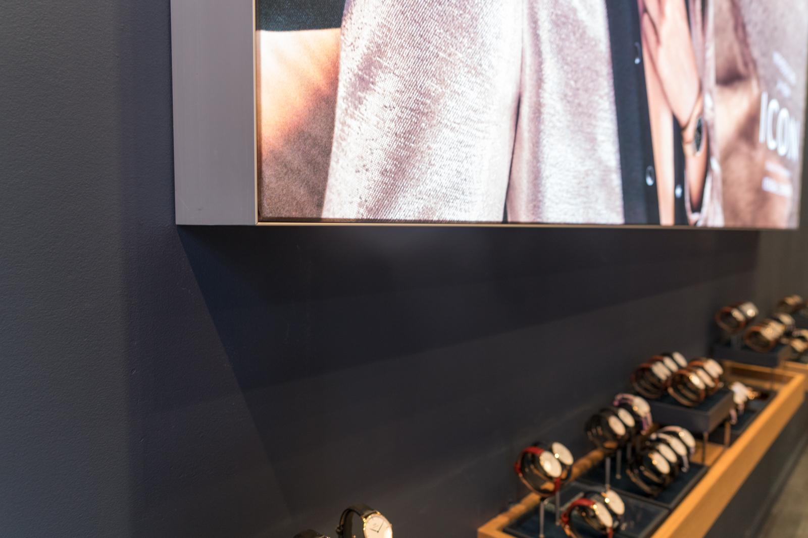 signage backlit fabric SEG frameless edgeless LED pop-up store shopping stretch fabric tension silicone edge graphics